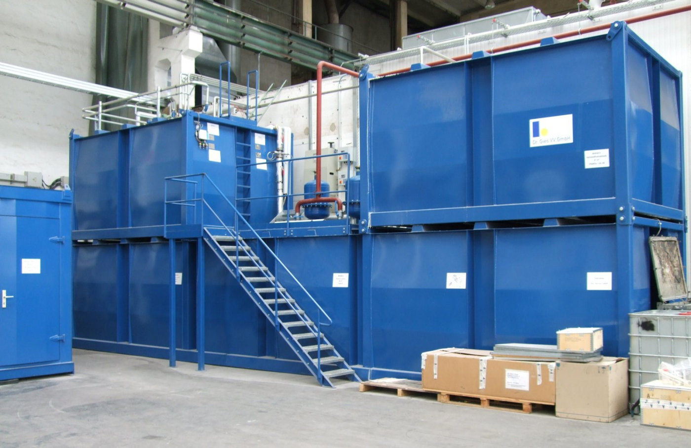 Storage tank containers for the mobile gasoline container for Construction container