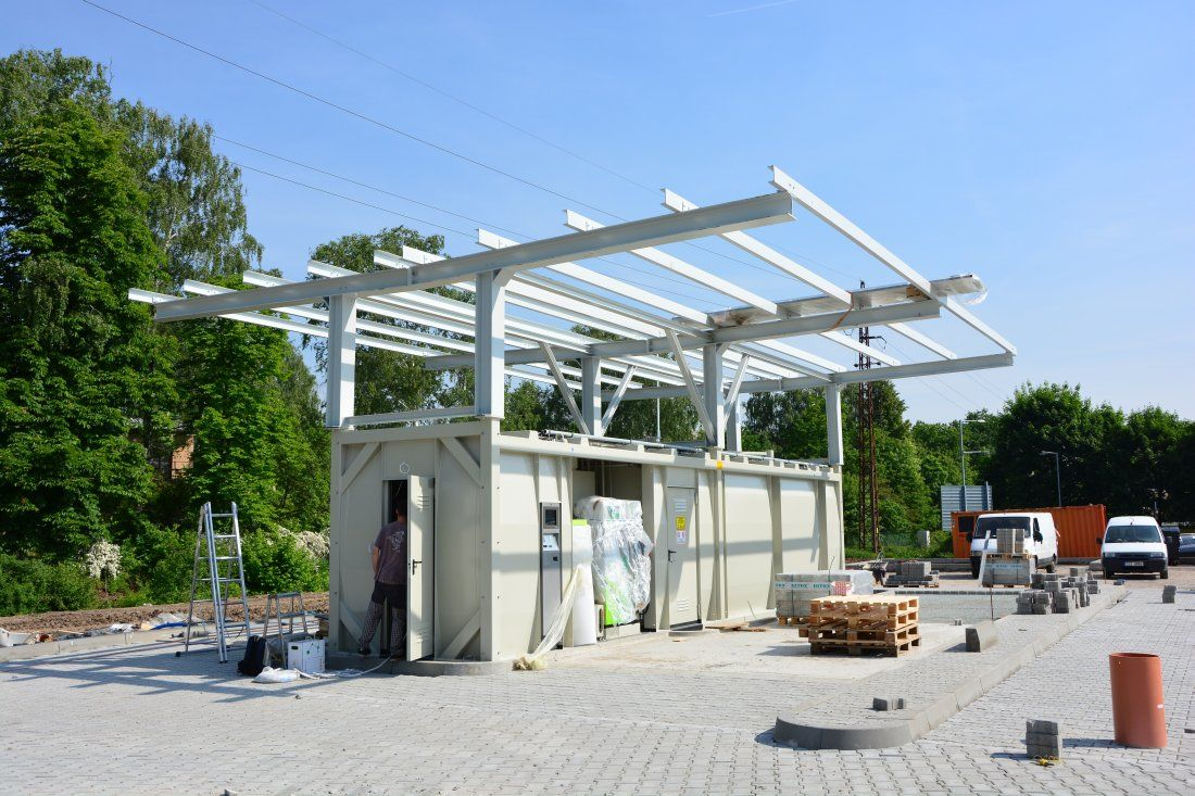 tank-container-gas-station-Praha-2