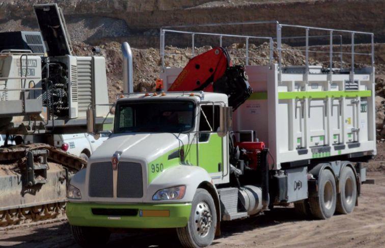 Lube skids & Fuel Skids: Truck mit Wartungsmodul