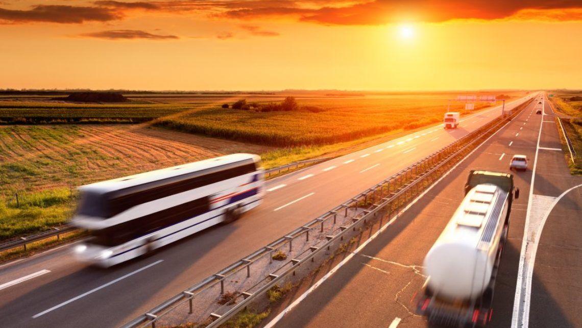 Tankcontainer für Fernbus Wartung und Pflege