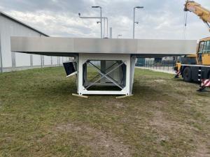 Tankstellencontainer mit Dach