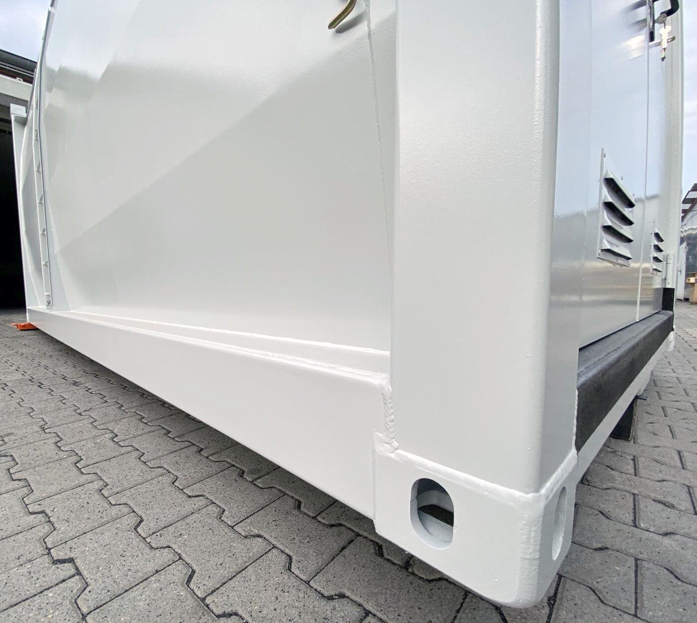Tankcontainer als Dieseltankstelle für die Deutsche Bahn